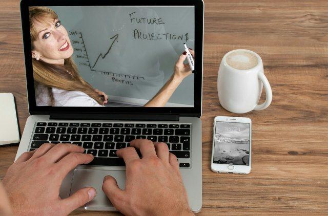 Suivre des cours en ligne